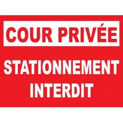 Cour privée stationnement interdit