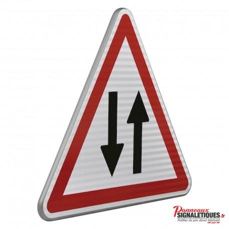 Panneau routier circulation dans les deux sens A18