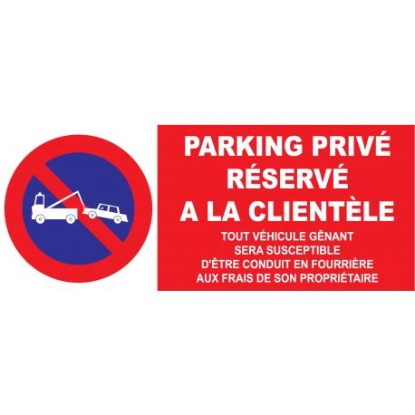 Parking privé serservé à la clientèle etc...