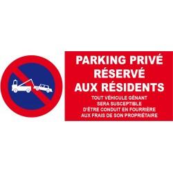 Parking privé réservé aux résidents etc...